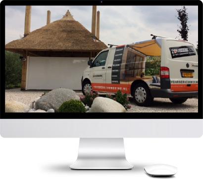 Foto van bedrijfsbus van Voorberg Zonwering & Buitenleven. De specialist in tuinkamers, lamellendaken, textieldaken, zonwering en meer!